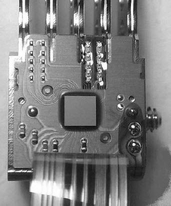 机械硬盘的数据控制系统