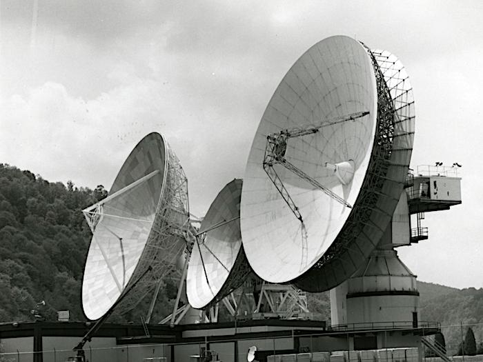 S/X频段连续波速调管的工作方式
