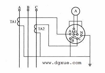 1个电流表和2个互感器测量三相电流