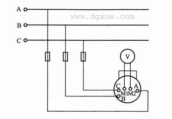 用换相开关使一块交流电表同时测量三相电压