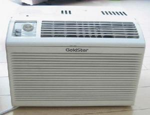 窗式空调器外观